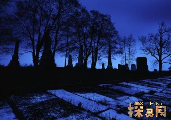 殡仪馆半夜点外卖事件,山腰迷路吓得不敢走动/黑灯瞎火
