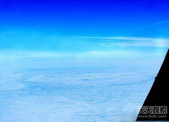 南极卫星拍到地下城市,不冻湖里面藏有外星人基地