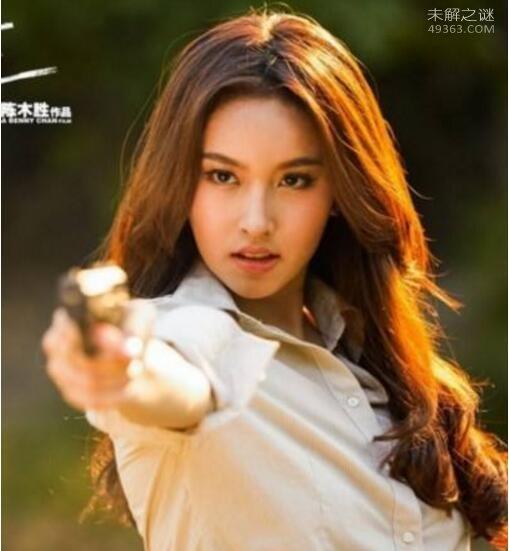 泰国最美人妖poy变性前后对比照,不愧是人妖皇后