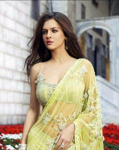 印度国宝级女神,妮哈・达尔维灰色的眼眸让人为之着迷