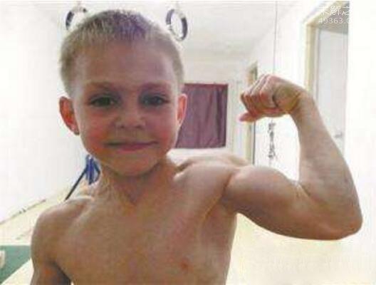 全球最小的摔跤天才:8岁摔跤神童斯蒂夫・波林