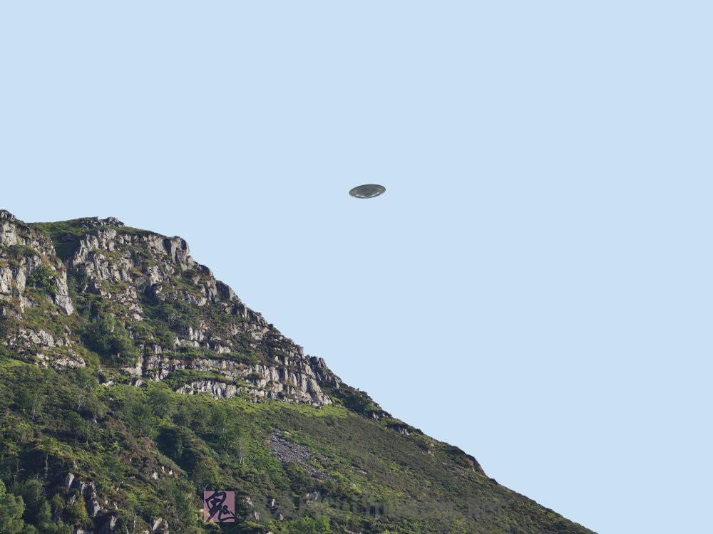 一组国外网站上的UFO高清壁纸桌面,右键另存为