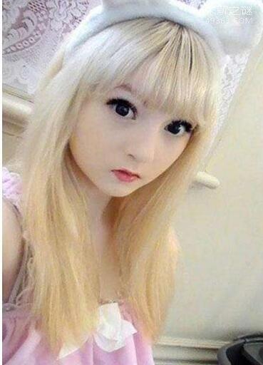 世界上最白的女人,15岁白化萝莉女王(维纳斯・巴勒莫)