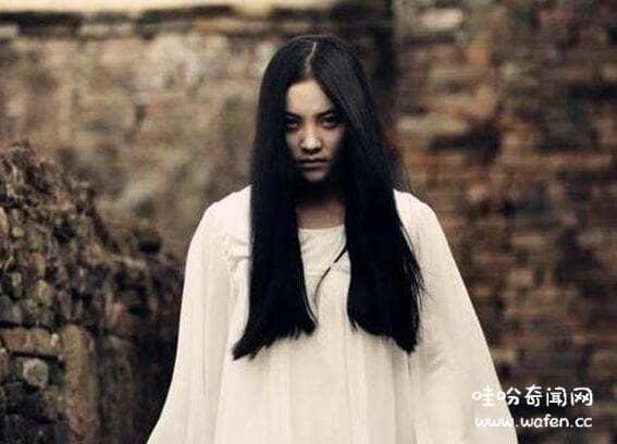 四川成都文殊院灵异事件,遭遇美艳女鬼勾引走入森林差点成为替死鬼