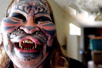 美国50岁男子经过25年漫长的整容整形千次变成虎人