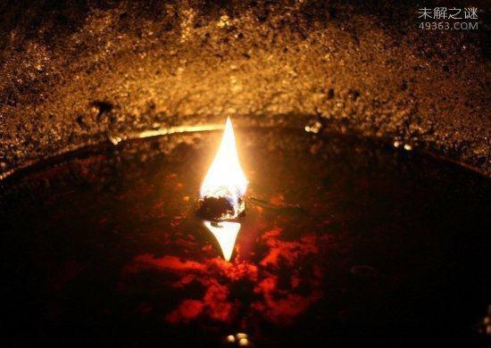 长明灯的不熄之谜:燃烧2000多年为何能做到永不熄灭