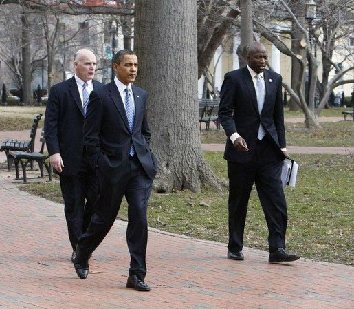 奥巴马保镖中存在外星人 到底是谁?