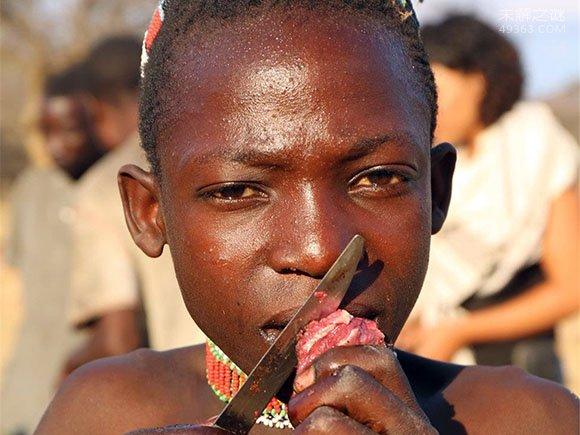 地球上最后的以狩猎为生的民族:哈扎部落每天工作一个小时全族都