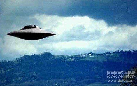 英国专家爆料:外星人正研究我们