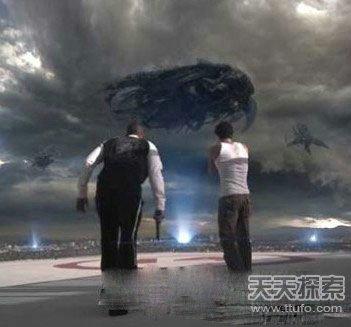UFO屡现身地球:外星人竟拿地球人类做实验