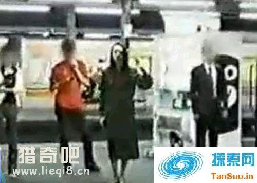 日本灵异事件 挥手的女人|灵异